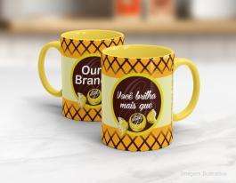 Caneca em cerâmica dia dos namorados - você brilha mais que ouro branco Cerâmica branca interior e alça amarela   Sublimação