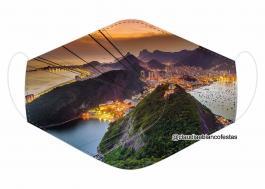 MÁSCARA EM TECIDO RIO DE JANEIRO MOD697 Estampa personalizada no tecido 100% poliéster   1 camada de TECIDO TRICOLINE 100% ALGODÃO formando uma dupla proteção. Costura