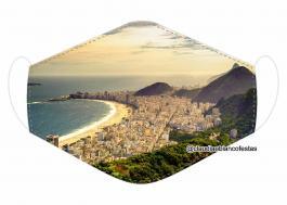 MÁSCARA EM TECIDO RIO DE JANEIRO MOD700 Estampa personalizada no tecido 100% poliéster   1 camada de TECIDO TRICOLINE 100% ALGODÃO formando uma dupla proteção. Costura
