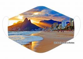 MÁSCARA EM TECIDO RIO DE JANEIRO MOD703 Estampa personalizada no tecido 100% poliéster   1 camada de TECIDO TRICOLINE 100% ALGODÃO formando uma dupla proteção. Costura