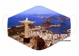 MÁSCARA EM TECIDO RIO DE JANEIRO MOD704 Estampa personalizada no tecido 100% poliéster   1 camada de TECIDO TRICOLINE 100% ALGODÃO formando uma dupla proteção. Costura
